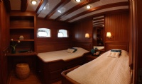 luxury yacht charter prices